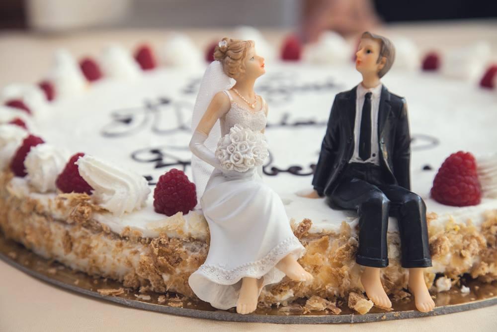 beedjes van gehuwden op taart