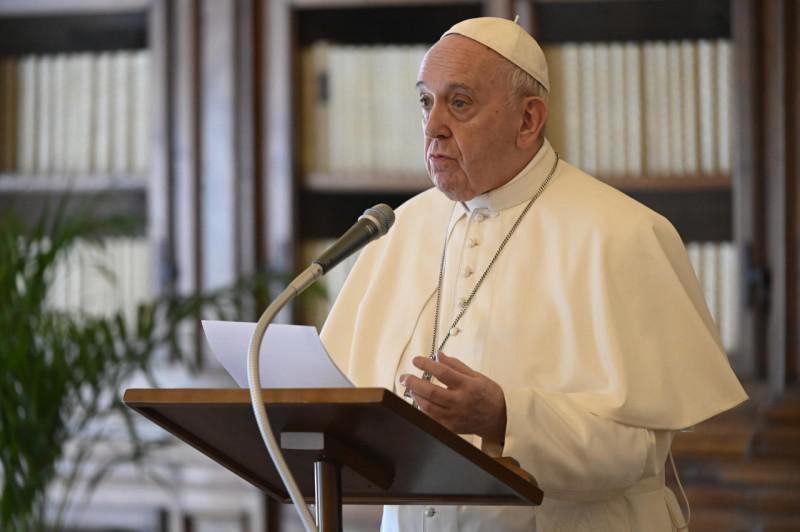 Paus Franciscus tijdens het Regina Coeli van zondag © Vatican Media